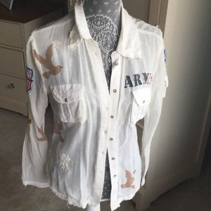 Great sexy army shirt. Pair this with jeans